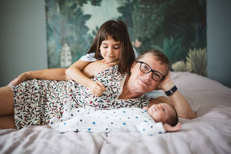 Séance photo naissance bébé naturelle à domicile 974 Réunion