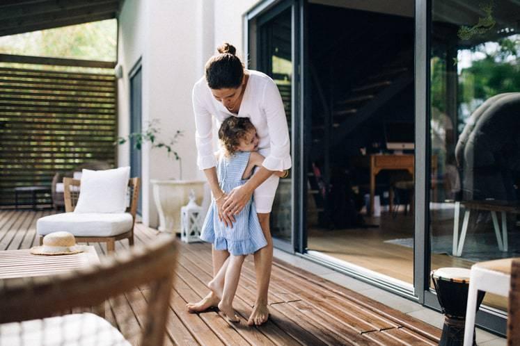 Séance photo famille lifestyle à la maison 974 Réunion